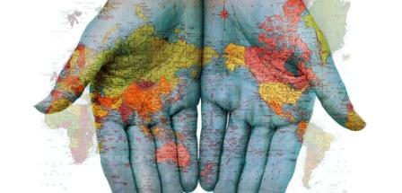 Con estudios universitarios iniciados en el extranjero